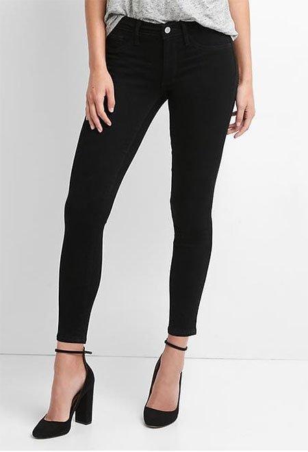 Kerry Washington cozy pastel look black pants
