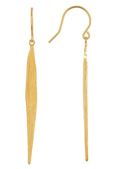 Kerry Washington cozy pastel look gold palm drop earrings