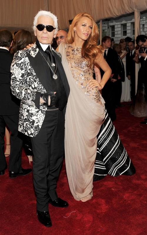 Karl Lagerfeld in Tom Ford, Blake Lively in Chanel