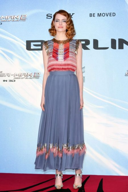 Emma Stone in Chanel blue skirt on the red carpet