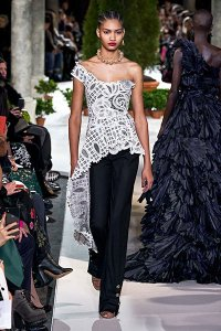 fall 19 fashion Asymmetric Off Shoulder oscar de la renta