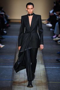 fall 2019 fashion trend Strong Shoulders alexander mcqueen black assymetric pant suit