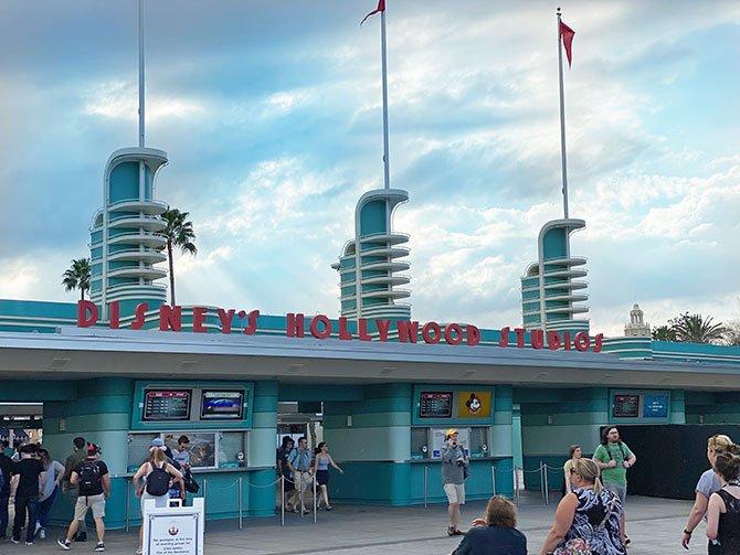 disney for adults Disney theme parks hollywood studios fountainof30