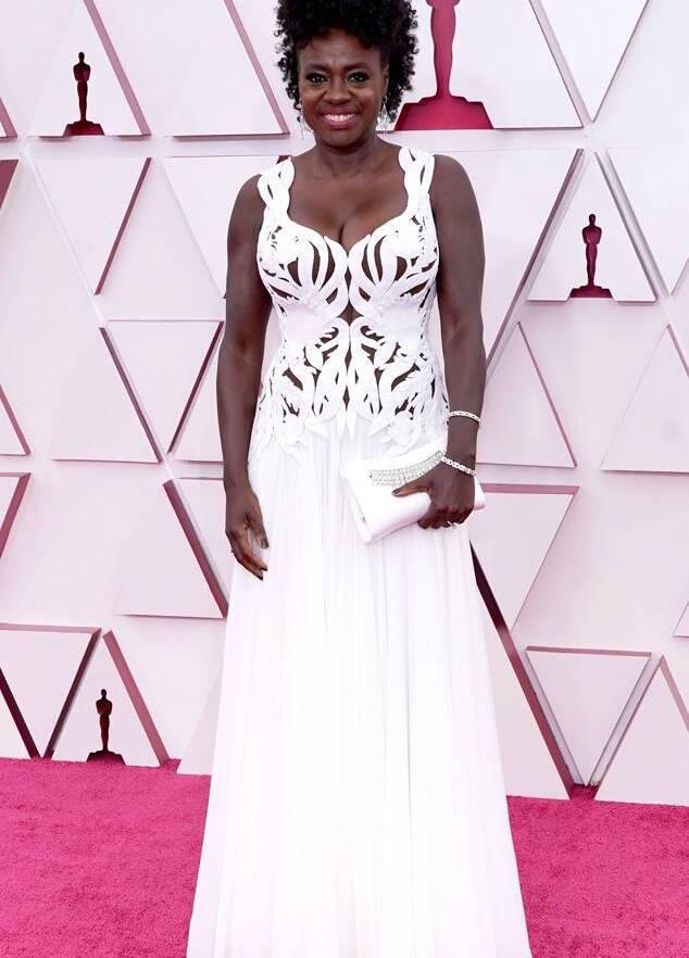 Viola Davis b est dressed white gown Alexander McQueen fountainof30