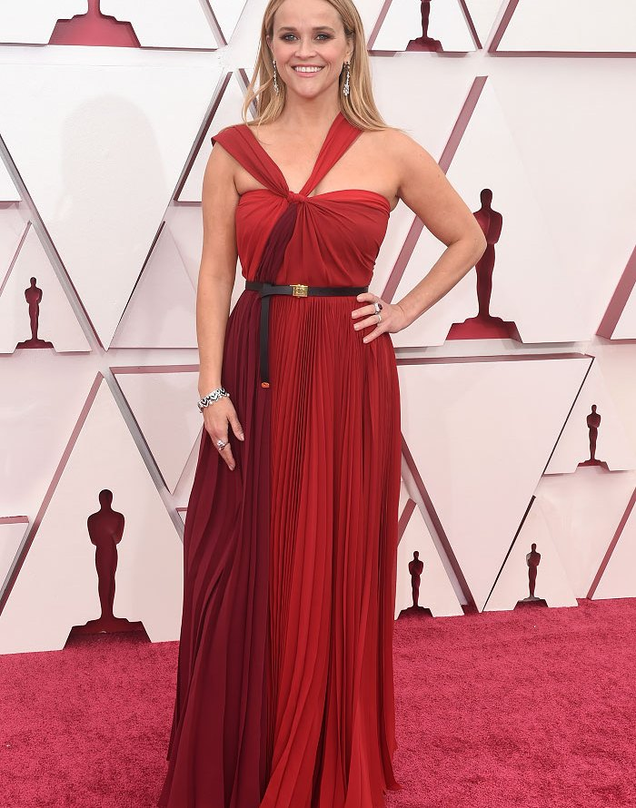 Reese Witherspoon in Dior Oscars 2021 fashion fountainof30