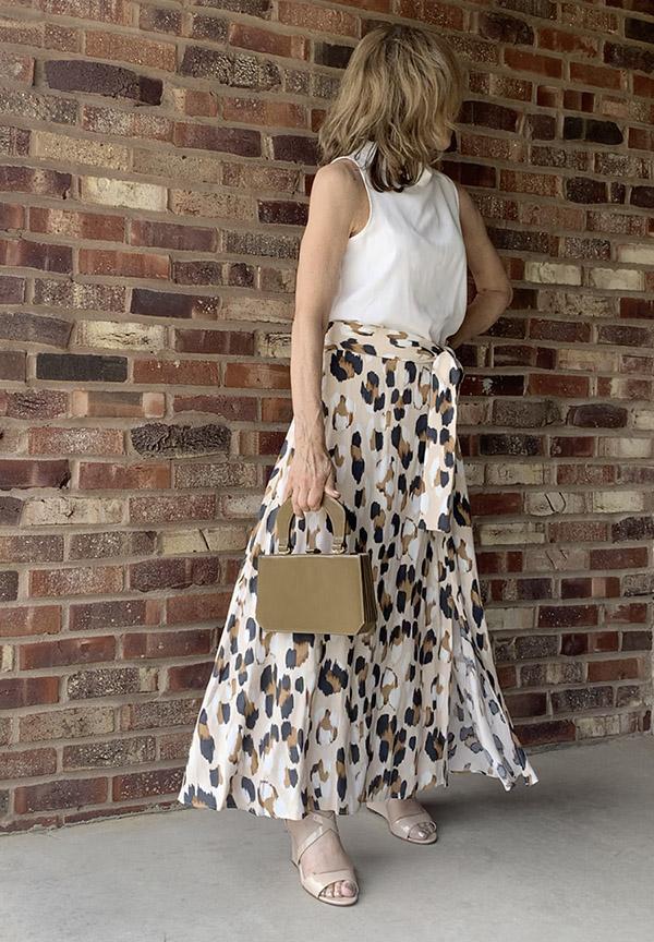 leopard skirt white top dressy fountainof30