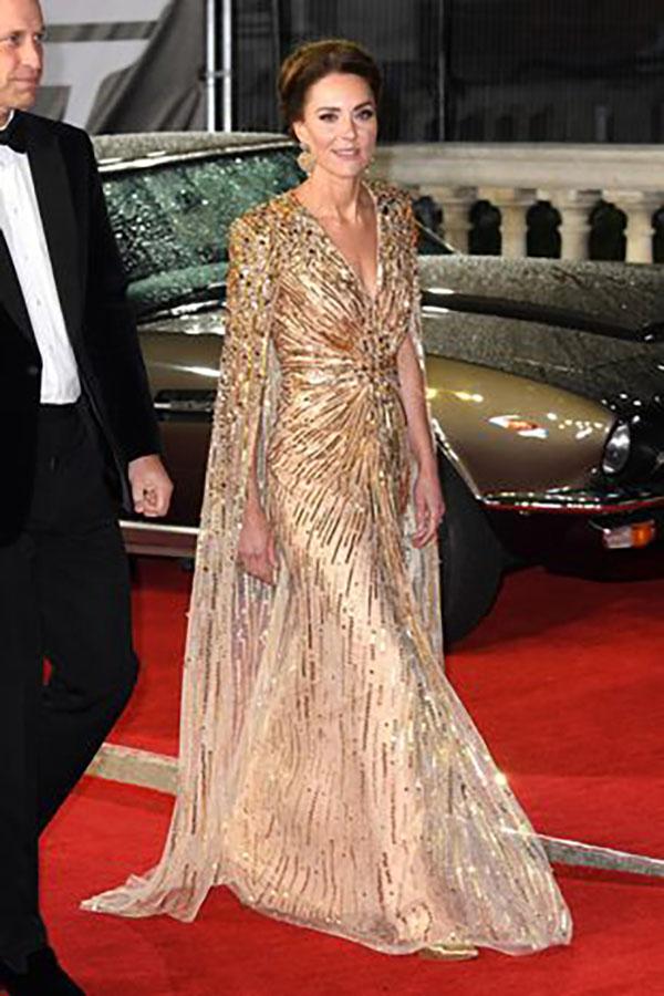 kate middleton gold gown fountainof30