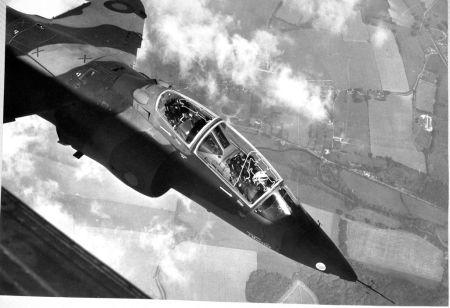 Taking the Hawk to Farnborough 1972