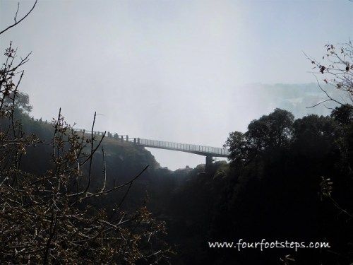 Victoria_Falls_knife_edge_bridge.jpg