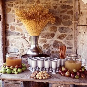 fall apple cider tablescape
