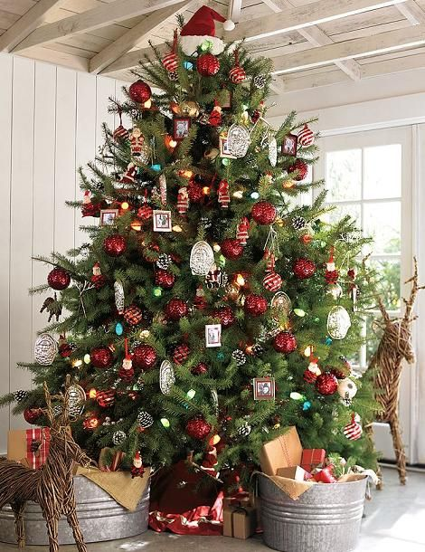 red and white photo tag christmas tree