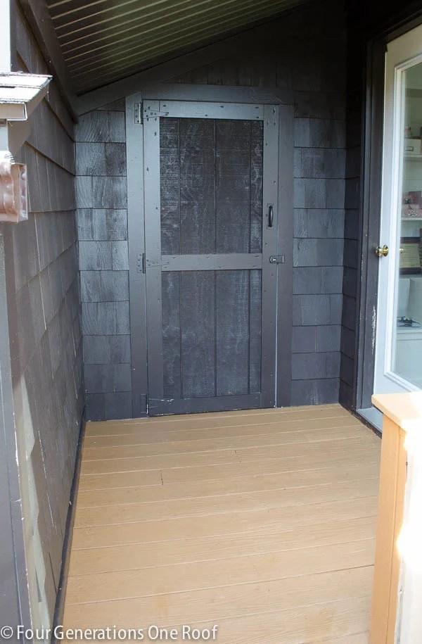 Fall_Decorating_back_door-1