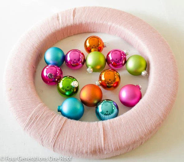How to make a wreath using colorful ornaments