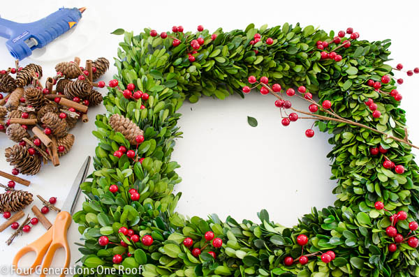 how to make a wreath using boxwood christmas wreath-2