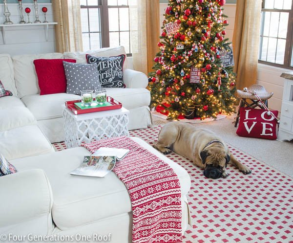 Christmas decorating ideas - red + black living room-4