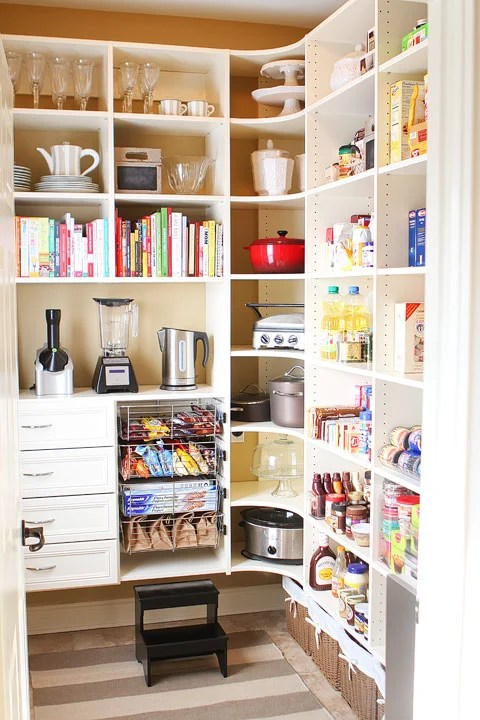 laundry-room-to-pantry-makeover