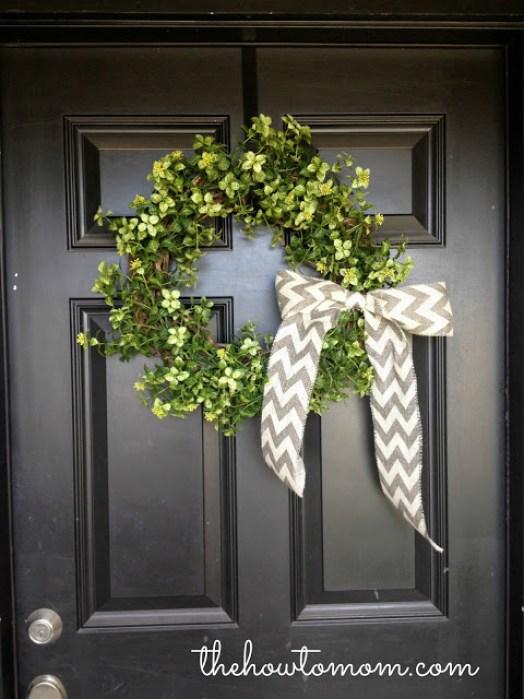 dollar-store-greenery-wreath