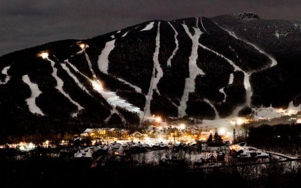 stowe mountain lodge at night