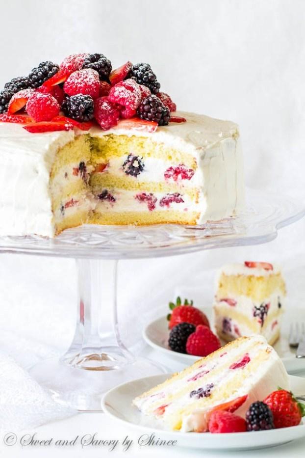 Berry-Chantilly-Cake