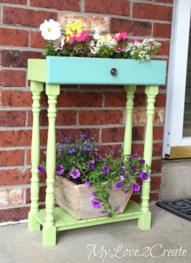 planters-from-old-drawers