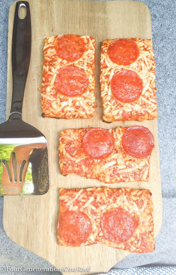 10 minute easy grilled pizza dinner idea