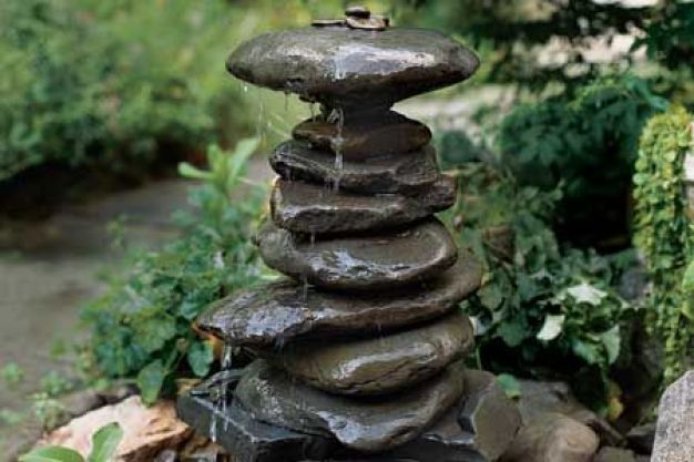 stacked-stone-diy-fountain
