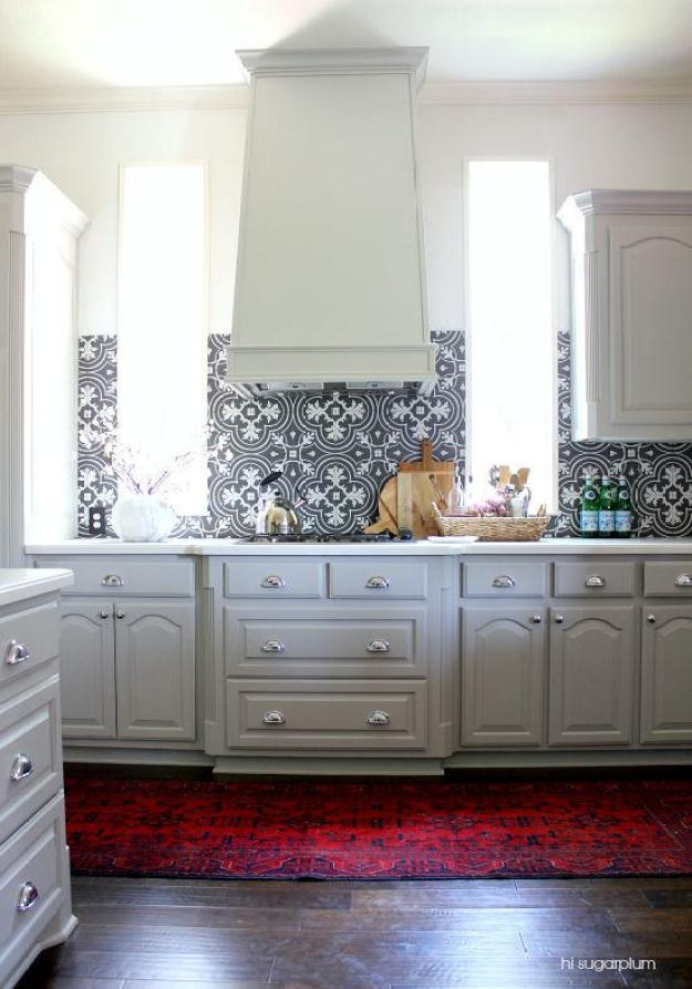 15-statement-tile-backsplash