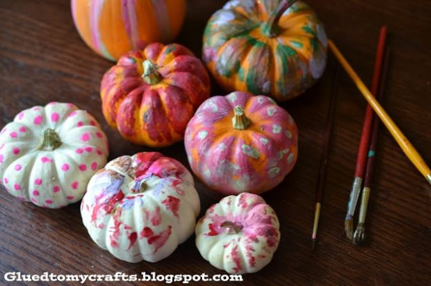 toddler-pumpkin-painting