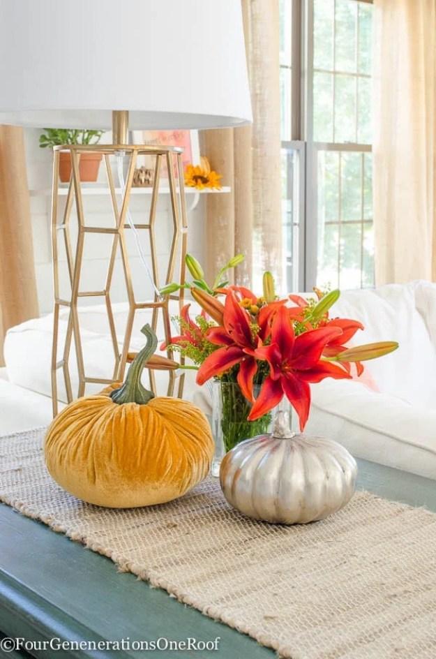Simple-florals-and-pumpkins