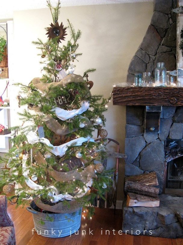 vintage-finds-christmas-tree