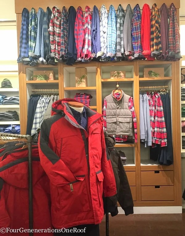 Holiday Shopping Copley Place Boston Lands' End Pop Up Store-13