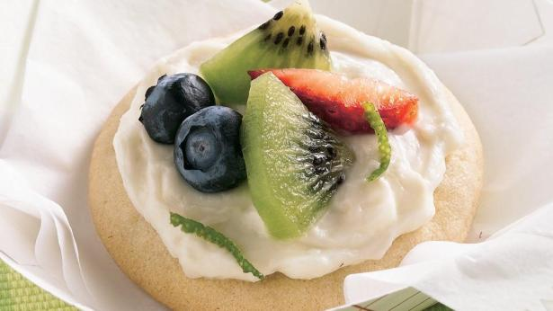 mini-fruit-pizza