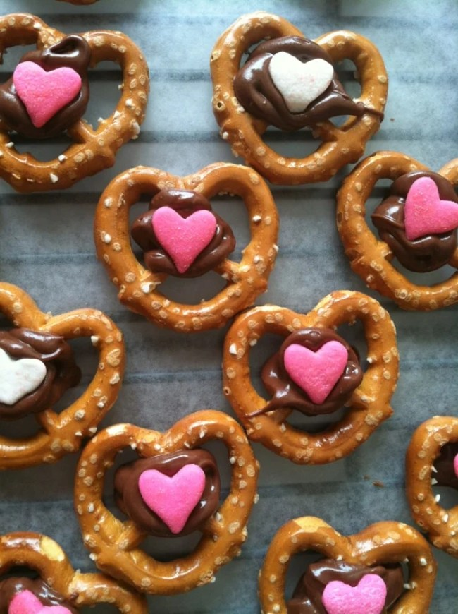 Valentine treat ideas: Chocolate Covered Pretzels