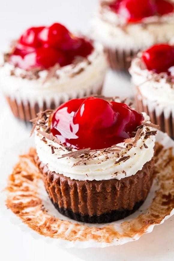 40-valentine-treats-black-forest-cheesecake