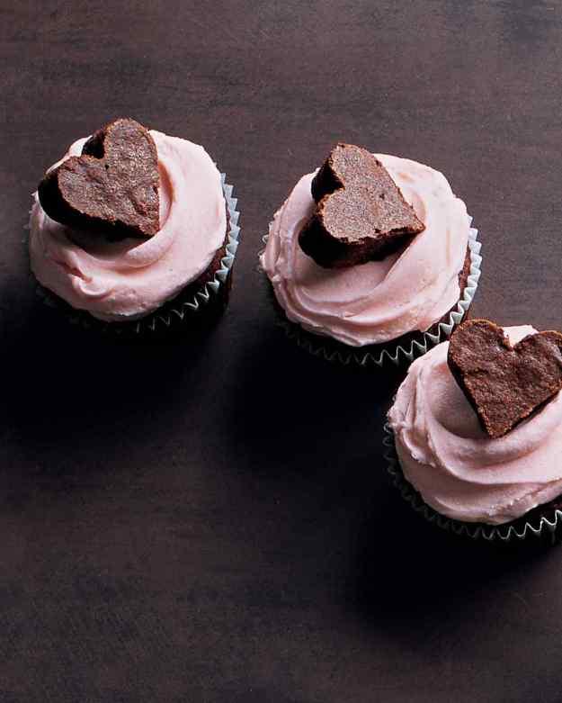 40-valentine-treats-brownie-heart-cupcakes