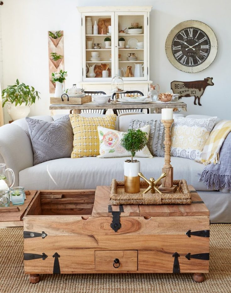 modern farmhouse living room / behind the scenes homegoods