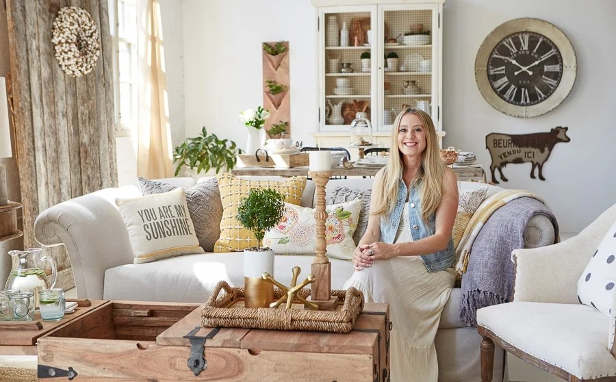 Are you an interior designer? modern farmhouse living room / behind the scenes homegoods