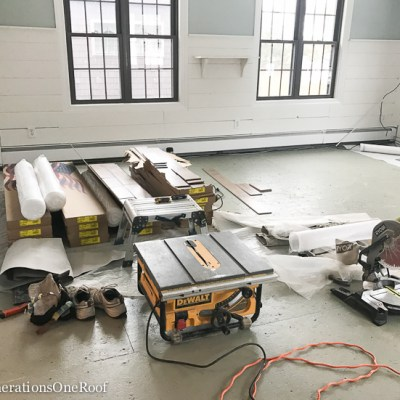 How to Remove Carpet + Prep For Hardwoods {hardwood project}