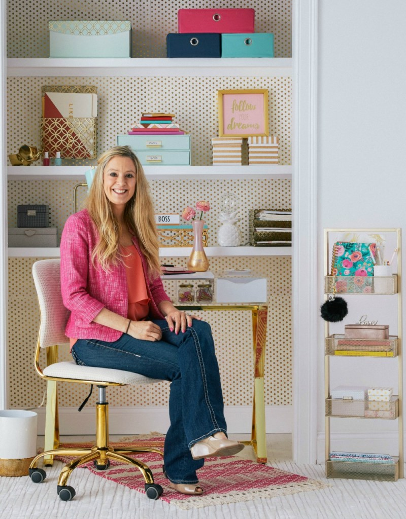 A closet and Office space | Cloffice | Organized office in a closet