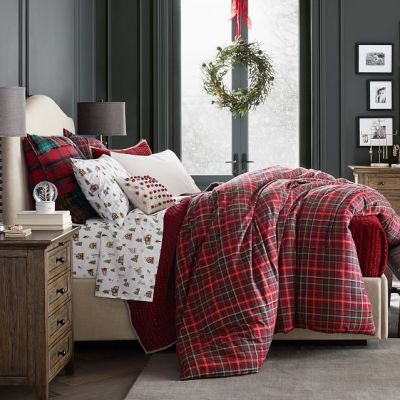 How to decorate your bedroom for Christmas in 8 Steps