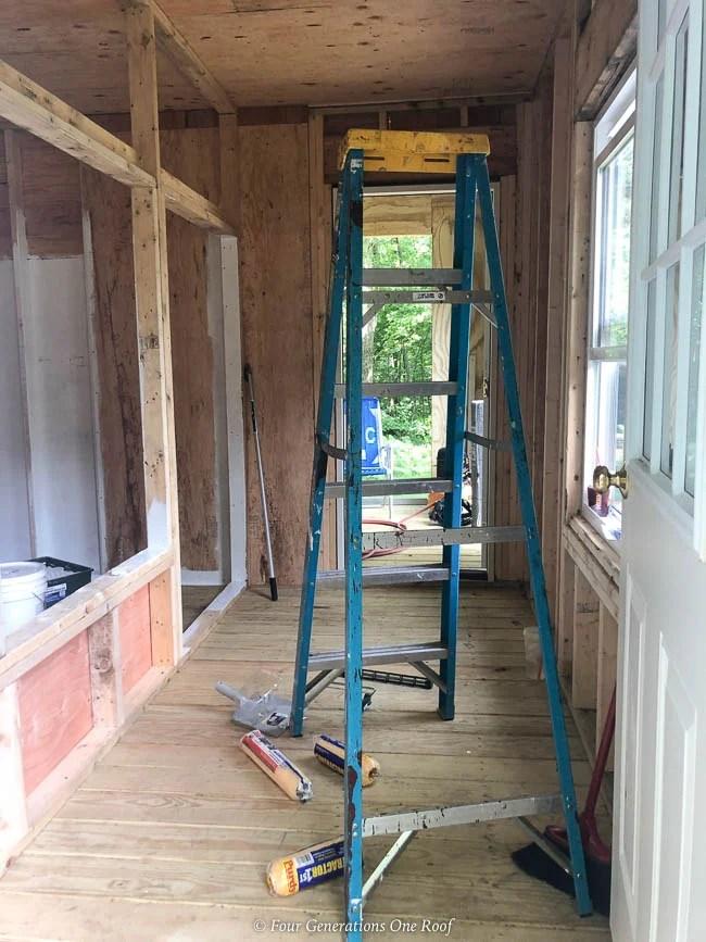 walk in chicken coop, chicken coop partition wall,