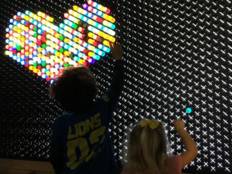 Light Lab glow heart