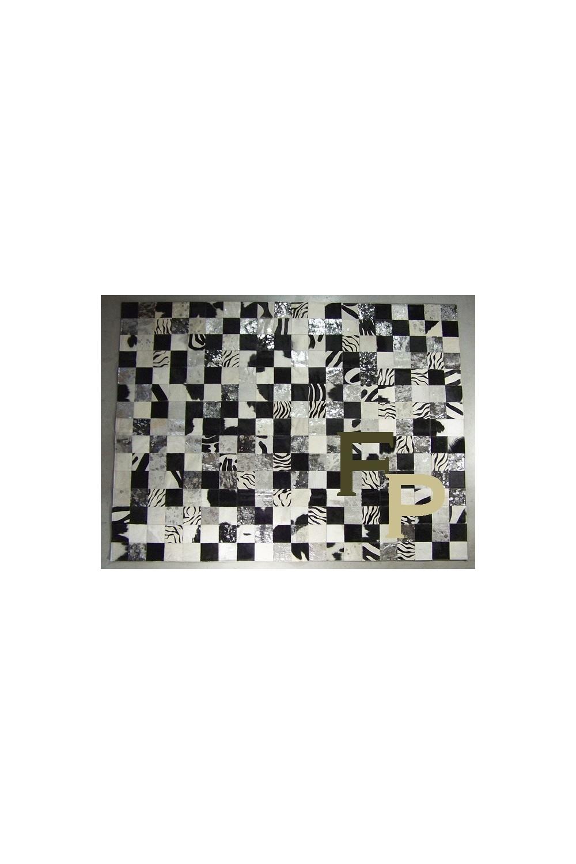tapis mosaique en peau de vache noir et blanc