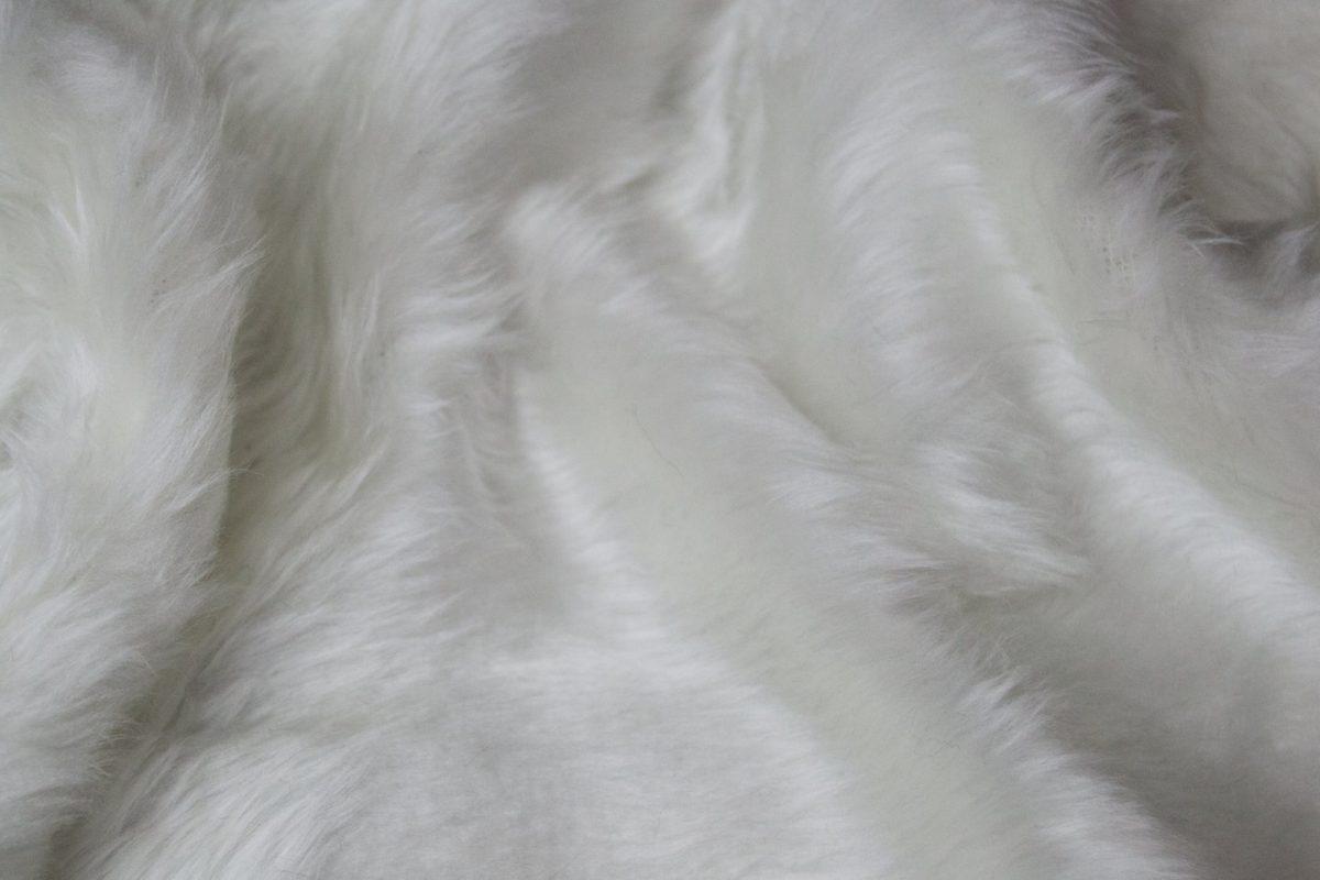 fausse fourrure pas cher blanc ecru a poil court w1 60 ecru 101