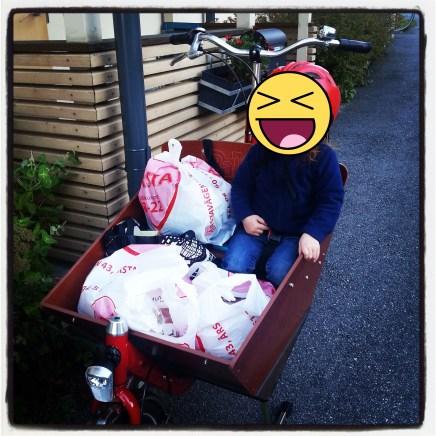 Bakfiets CargoBike Short, groceries, Stockholm