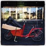 Transporting a trade show display, Bakfiets CargoBike Short