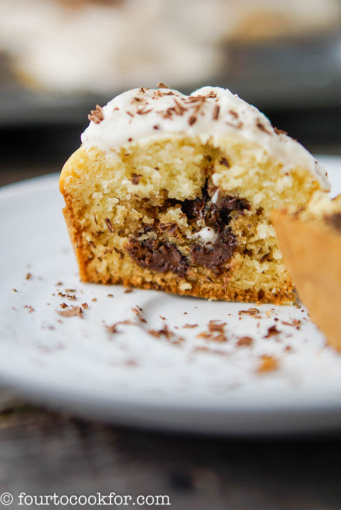 chocolate chip cookie cupcake