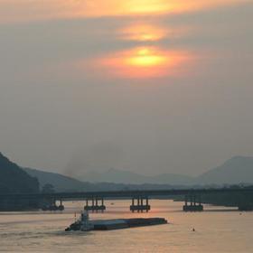 Big Dam Bridge Sunset_-7404785861015354778