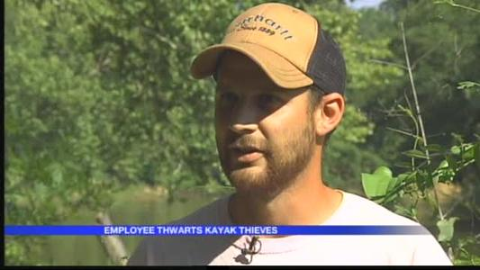 Employee Thwarts Kayak Theft_-1375867220950759166