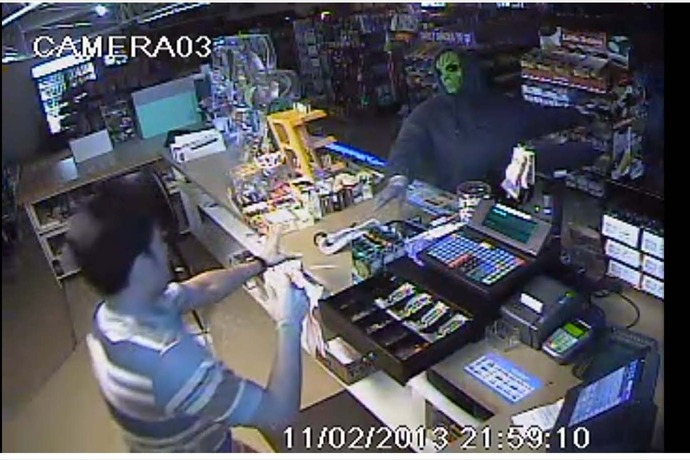 Robbery Suspect in Mask - Garland County_-3129702789576963546